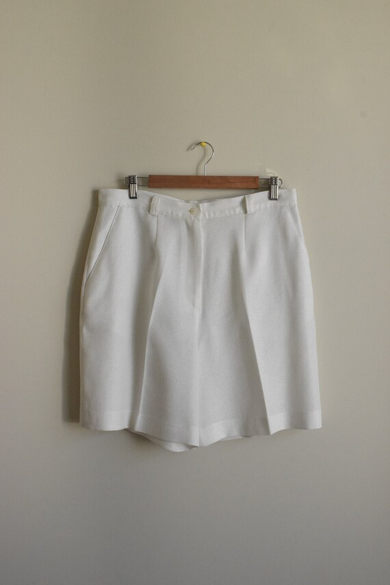 White High-Waist Shorts