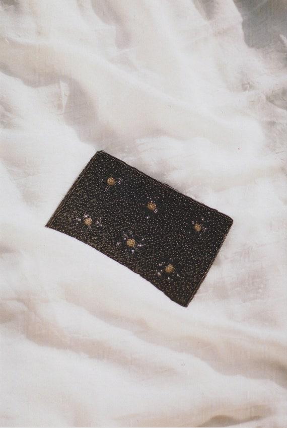 Daisy Beaded Wallet