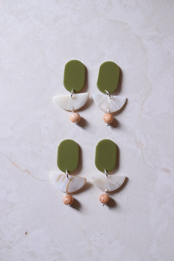 Olio Shell Earrings.