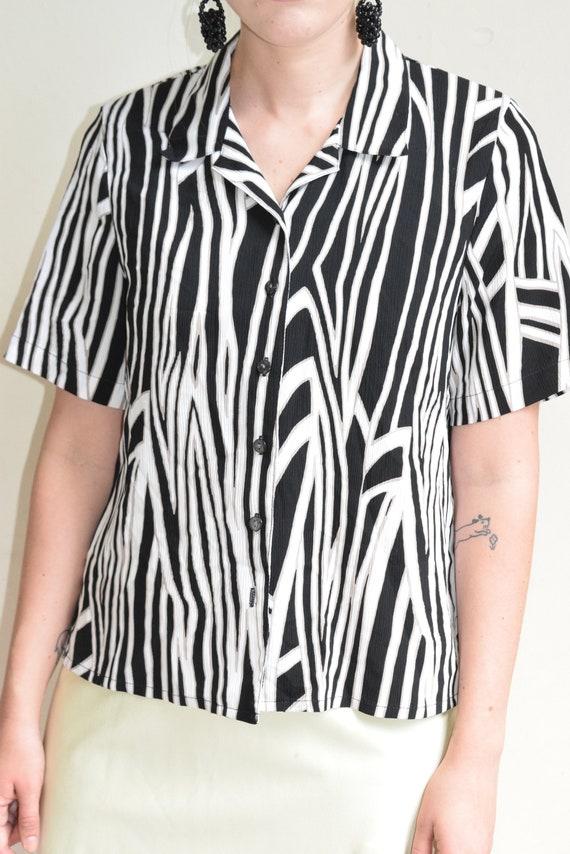 Geometric Stripe Short Sleeve Top