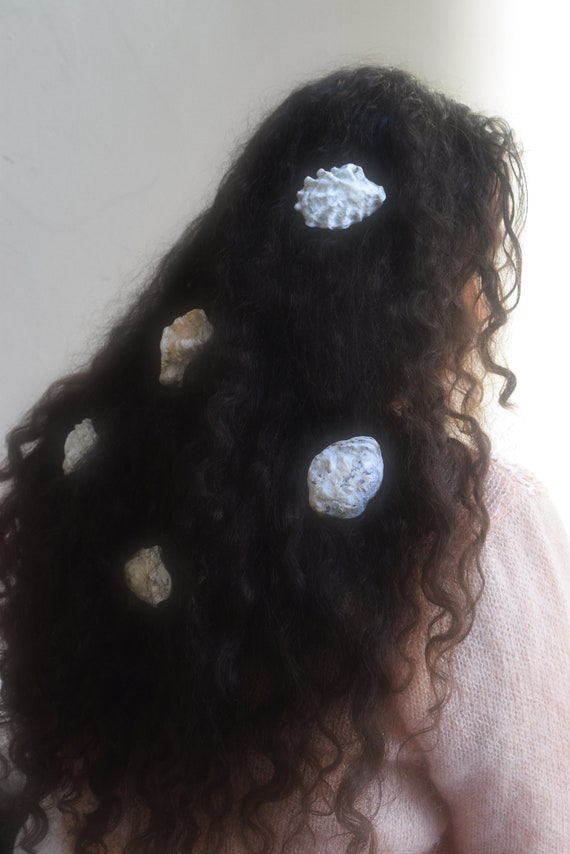 Oysha Shell Hairclip