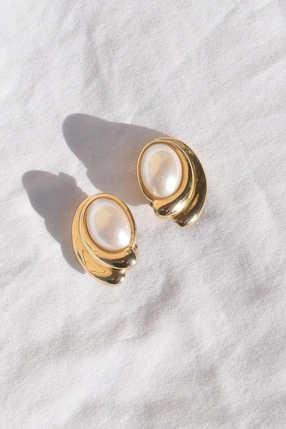 Vintage Brass & Pearl Clip On Earrings