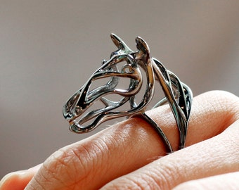 Silver Zodiac Horse Ring, Black Horse Ring, Zodiac Jewelry, fashion jewelry, Zodiac Animals Jewelry, Abstract Horse Ring, wear art