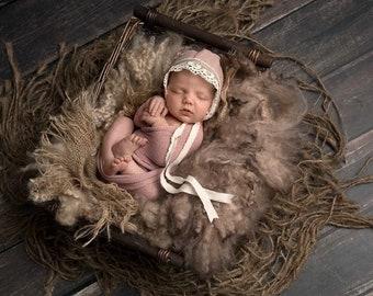 Newborn Linen Fabric Bonnet/ Newborn Photography Prop / Pink / Torsion Cotton Lace