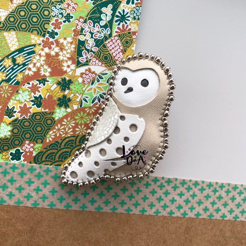 Owl  Handmade  Brooch  Leather  Nickel-free beads  Hand image 0