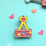 Binder clip pin - cute stationery addict gift - pink binder clip soft enamel pin with hearts