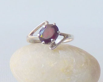 Sterling Silver Garnet Ring, Vintage Garnet, January Birthstone Ring,  Minimalist Garnet Ring 925 Retro Garnet Jewelry Size 5 1/2 Girls Ring