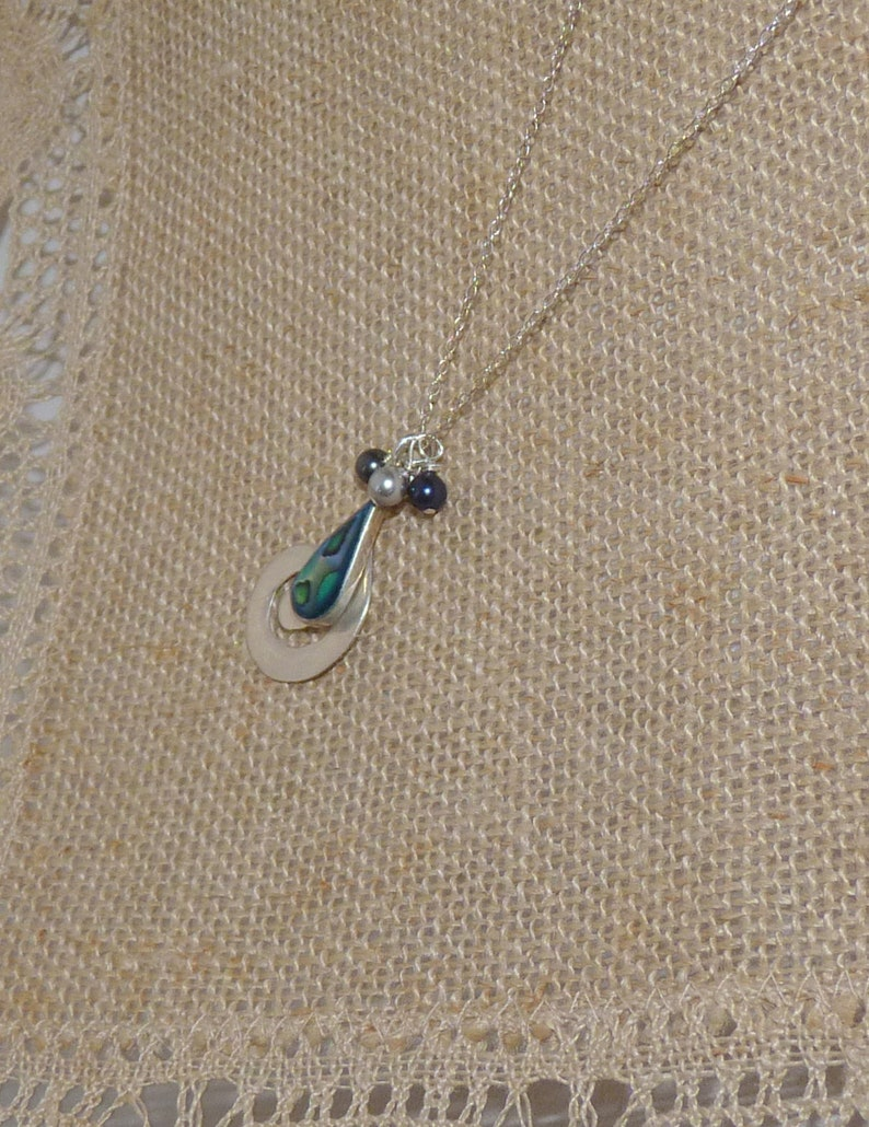 Sterling Silver Abalone Pendant 18 Chain Necklace Vintage Paua Shell Abalone Tear Drop Necklace Modern 925 Paua Shell Jewelry 925 Abalone