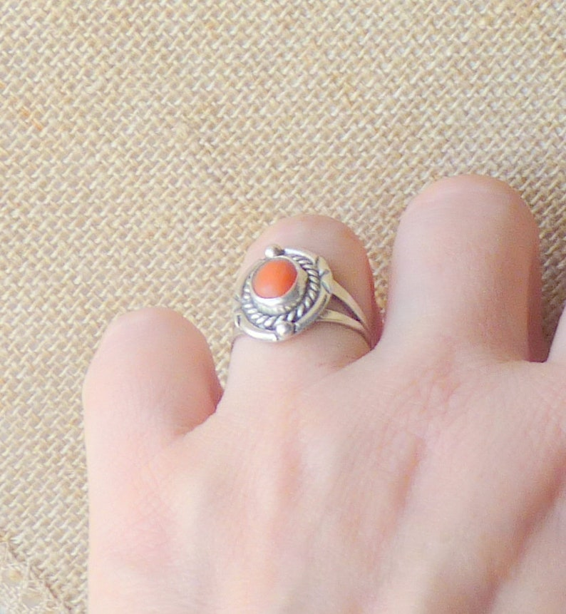 Vintage Sterling Silver Coral Ring Coral Jewelry 925 Coral Red Genuine Coral Southwestern Red Coral  Ring Size 5 12 Coral 925 Ring