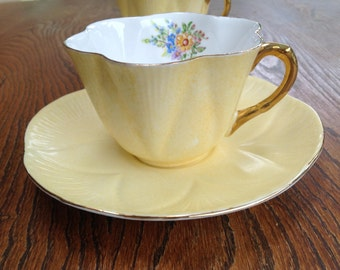 Shelley Dainty Yellow/gold teacup (2 available)