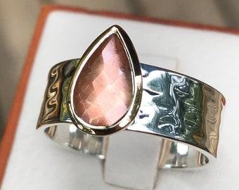 Oregon Sunstone Ring Sterling Silver Wide Band 18 K Gold Bezel Design,Bright Flash Sunstone Ring Quality Rare Peach Gemstone Pink Schiller