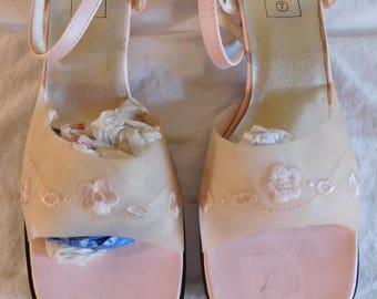 Vintage Sandals Pink Sandals Embroidered Floral Design Top Italy Fashion Sandal Size  7