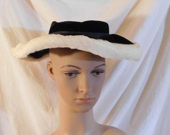 452b81160387d3 Vintage Hat Black Velvet Saucer Hat Faux Fur White Trim