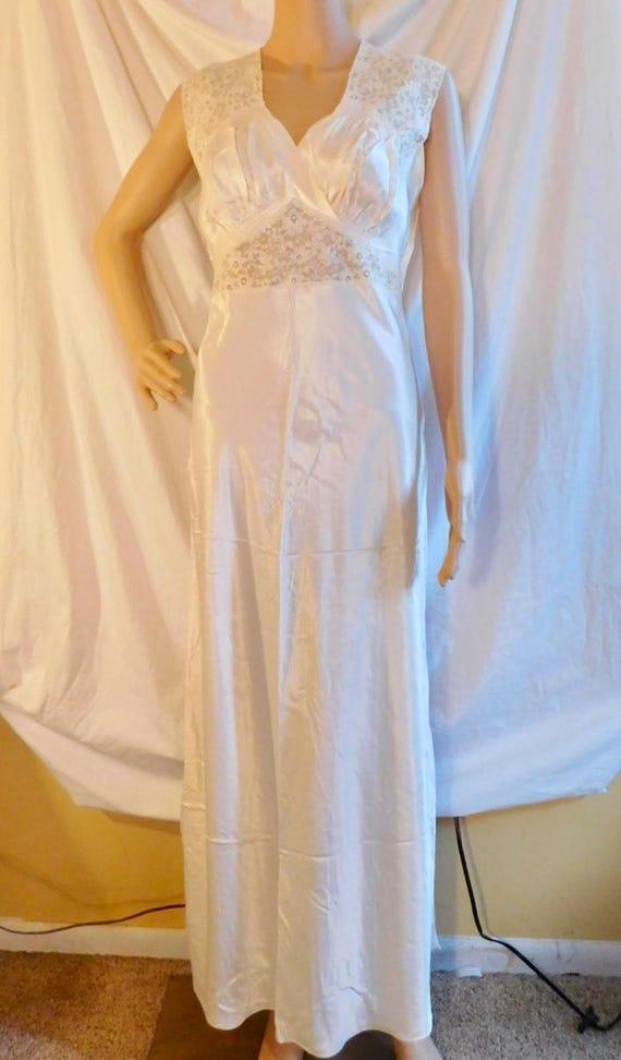 6ce41c6237 Biastex Ivory Negligee 1940s Nightgown Size 34 Vintage
