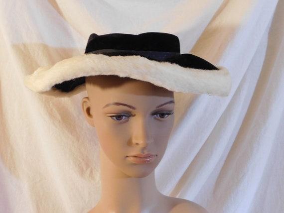 Vintage Hat Black Velvet Saucer Hat Faux Fur White