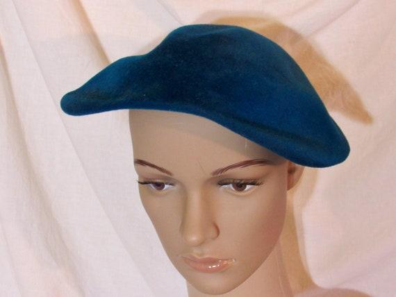 Vintage Hat Teal Blue Beret Blue Tilt Hat 1950s T… - image 1