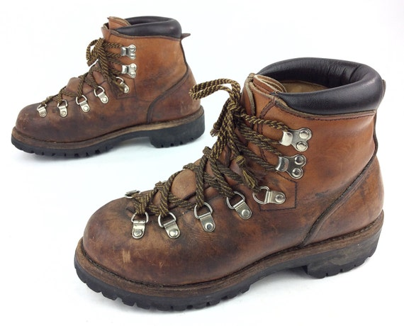 62c3f017a30 Vintage Red Wing Shoes Irish Setter Hiking Trail Mountaineering Boots USA  Made Sz. 6 C
