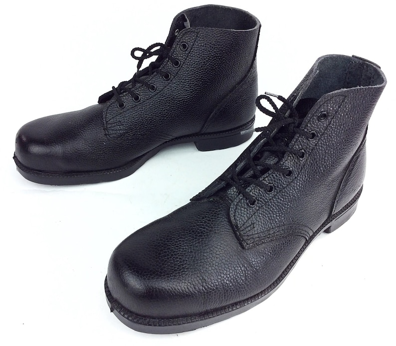 d0b5619b35e Vintage Black Leather Ankle Military Occupational Electrical Steel Safety  Toe Work Boots Sz. 13
