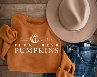 Hand Picked Farm Fresh Pumpkins Crewneck or Tee / Fall T-Shirts / Fall Crewnecks / Fall Outfits / Fall Shirts / Fall