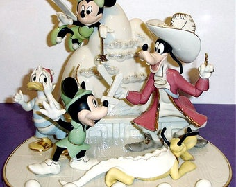 Lenox-Disney-Mickey Mouse and Friends Present A Day in Never Land-Limited Very Rare Piece, Retired and Sold Out