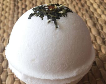 MERYL STEEP White Tea Bath bomb, Coconut and Tea Bath Bomb