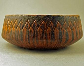 Ejvind Nielsen, Denmark. Ceramic Bowl, Mid Century, Scandinavian Art Pottery