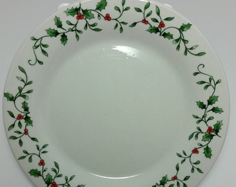 """Set of Vintage Royal Seasons """"Christmas Holly & Berry"""" Stoneware  4 Dessert / Bread Plates and 2 Soup / Cereal Bowls"""