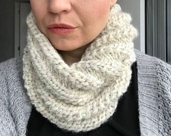 Ready to ship! Chunky Knit Cowl Infinity Scarf