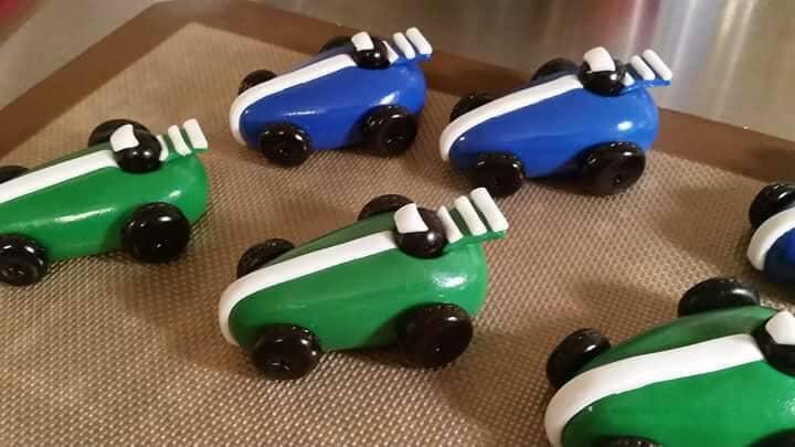 Race Car Cake Toppers Cars birthday party fondant race car ...
