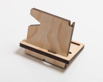 The Man Stand - Man Organiser - iPhone Dock - Wallet & Pen Holder - Fathers Day Gift - Gifts for Him