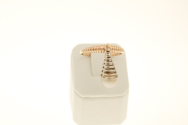 Unusual ladies RING with moving beads EARRINGS WG 14 KT gold peach color