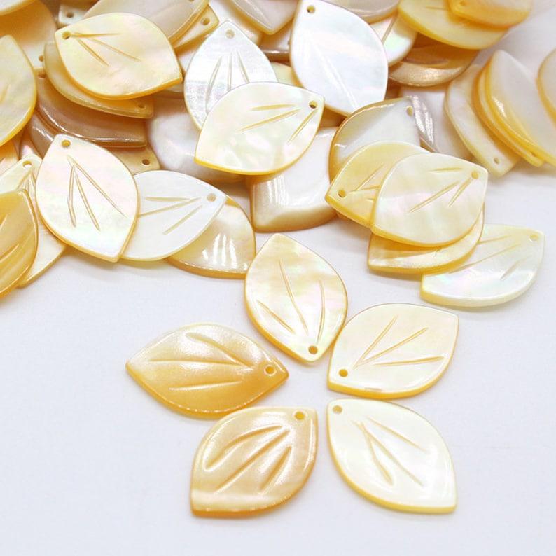 20pcs 12x18mm MOP Petals Beads Mother of Pearl Carved Petals Beads B090146-1