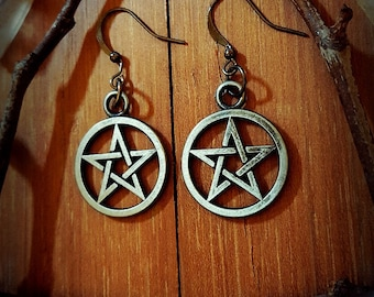 b216023d3cf580 Gunmetal Black Pentagram Earrings