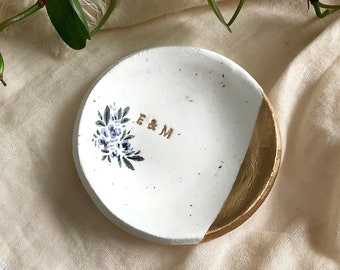 Wedding Gift / Speckled Minimalist Ring Dish / Jewelry Dish  / Engagement Gift / Bridesmaids Gift / Personalized Gift for Her / Ring Tray