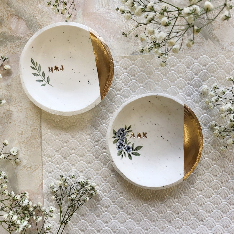 Jewelry Dish / Speckled Minimalist Ring Dish / Wedding Gift / image 0