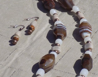 Brown Agate and Glass Beaded Necklace and Earring Set