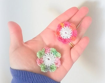 crocheted multicolored 4 cm 2 flowers is hand made in France