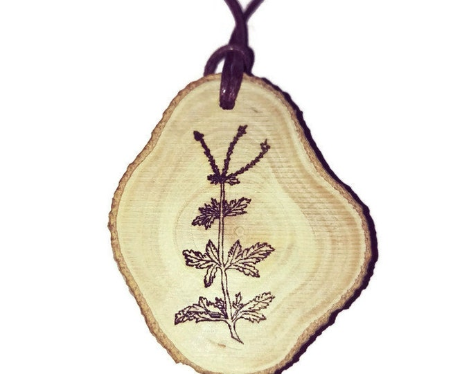Mothers Day Spanish Verbina Floral Eco Friendly Wooden Natural Handmade Engraved Necklace jewellery Charm Can Be Personalised #Etsy #Charm
