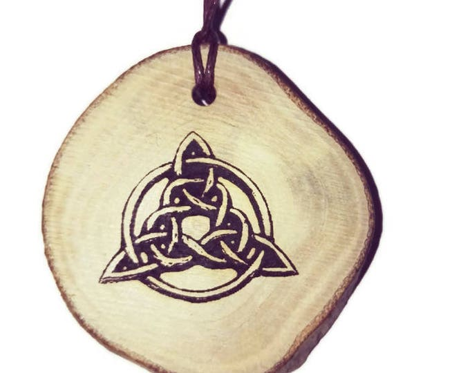Trinity Knot Triquetra Celtic Triangle symbol neo Pagan Celtic Wiccan Wooden Natural Handmade Engraved Necklace Charm Can Be Personalised