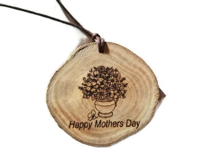 Mothers Day Floral Eco Friendly Wooden Natural Handmade Engraved Necklace jewellery Charm Can Be Personalised #MothersDay  Retrosheep#Charm