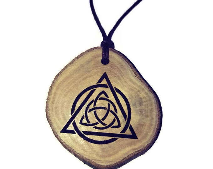 Triquetra Trinity Knot Celtic Triangle symbol neo Pagan Celtic Wiccan Wooden Natural Handmade Engraved Necklace Charm Can Be Personalised