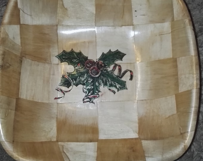 Retrosheep CHRISTMAS HOllY hand painted engraved NATURAL bamboo wooden bowl unique fruit /nut/ egg basket #christmas#Etsy