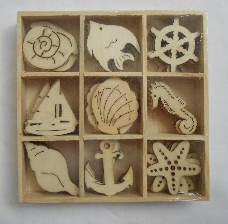 45 Assorted Small Wooden HEDGEHOG /& LEAF Shapes Craft Scrapbook Embellishments