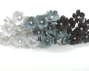 Gray Paper flowers / Grey paper flowers Set of 75 / Small Paper Flowers / Tiny Flowers / Miniature Flowers / Small Flowers