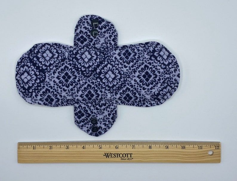 9 Double Layer Incontinence Pad Navy and White Quatrefoil
