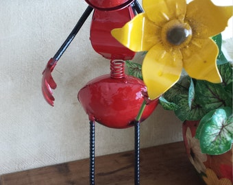 A nice ant and an excellent decoration for home and office
