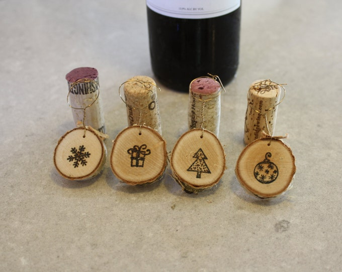 Christmas wine charms - Woodburned Christmas Wine Charms on Birch- Set of 4