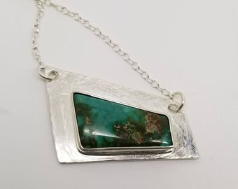 Royston turquoise 925 sterling silver textured metal pendant necklace