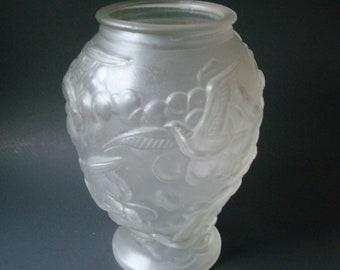 Search For Flights Art Deco Czechoslovakian Frosted Glass Vase Birds In Flight Art Glass Bohemian/czech