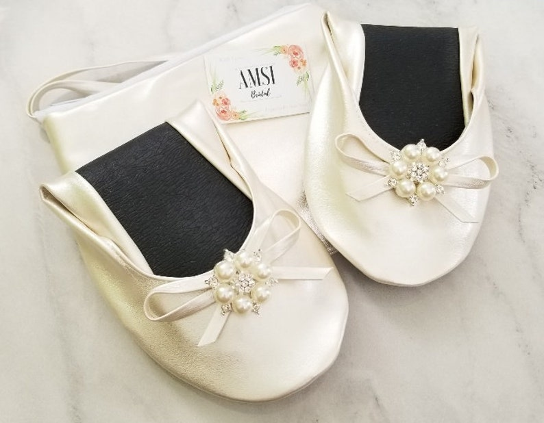 2462d1b84d6 Bridesmaid Slippers Bridal flats Wedding Flats Bridesmaids